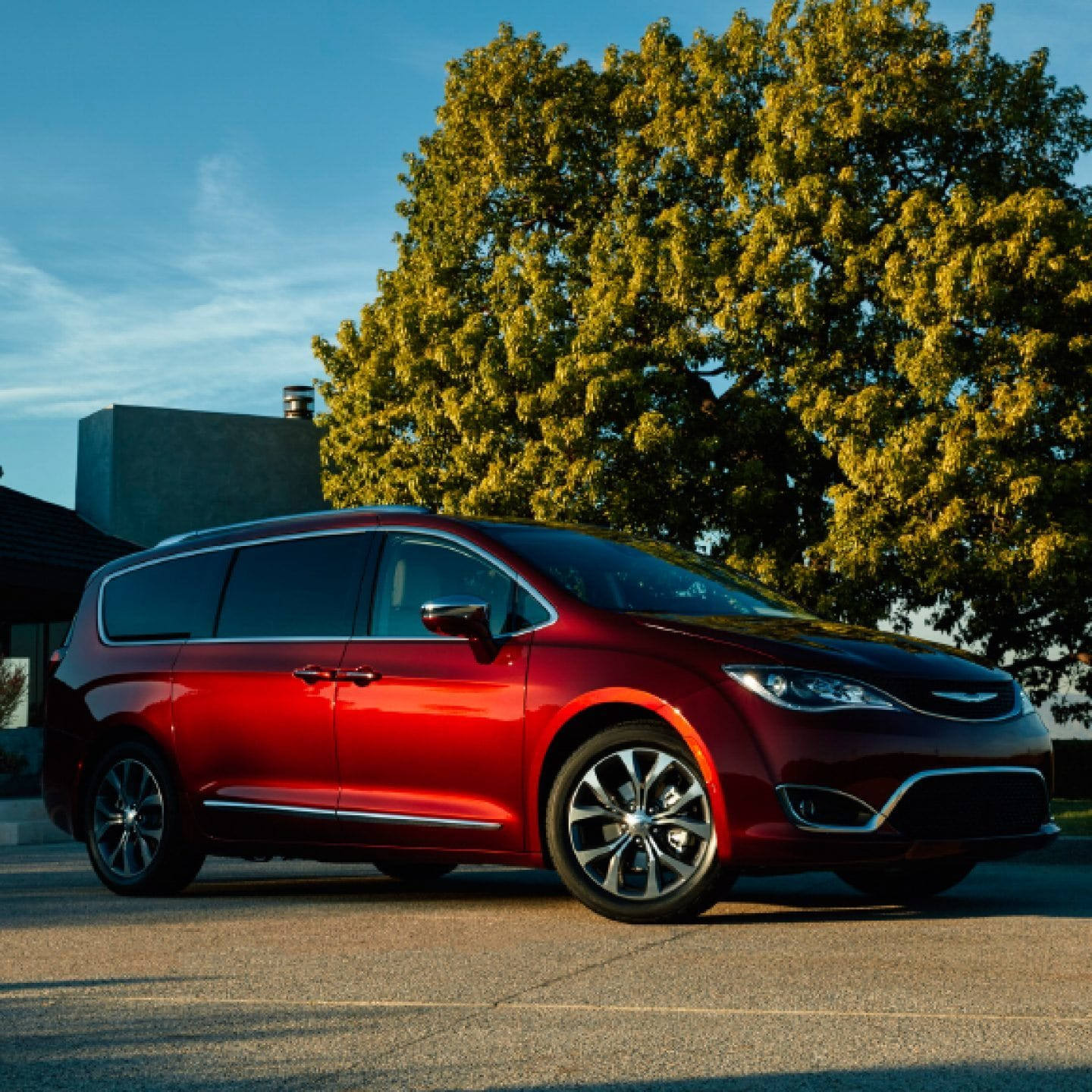 chrysler-pacifica-gas-stylish